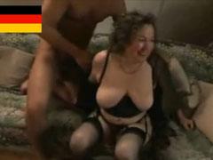 Deutsche Oma beim Hausbesuch Casting