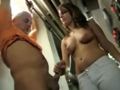 bondage bdsm mann holt sich einen runter