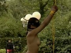 Sklavin anal und mit der Faust gefickt