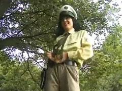 Deutsche Polizistin mit Schwanz im Arsch