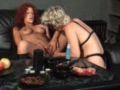 Deutsche Lesben drehen einen Porno