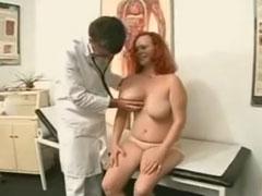 Frauenarzt fickt schwangere