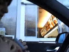 Ein Blowjob am Drive In