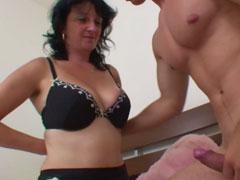 Mama verführt Sexvideos