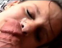 Sie liebt es viel Sperma im Gesicht zu haben