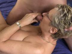 Schwanzgeile Titten Oma
