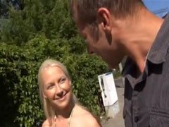 Süsse Amateur Blondine doppelt geil gefickt