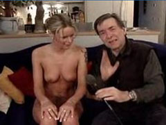 Monikas erster Fick vor der Porno Kamera
