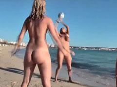 Dicke natur Titten am Strand