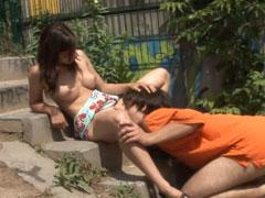 Junges Paar bei einem öffentlichen Fick gefilmt