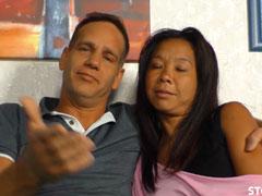 Deutscher mit seiner asiatischen Freundin beim Pornocasting