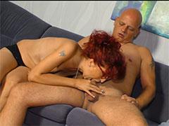 Am liebsten hat er reife Frauen beim Pornocasting