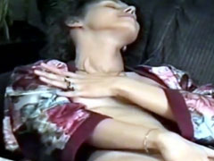 Deutsche Hausfrauen lieben lesbische Sex Spielchen
