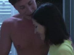 Schüchternes Mädchen von einem Pornostar gefickt