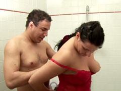 Privates Sex Video im Badezimmer gedreht