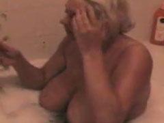 Dicke Deutsche badet