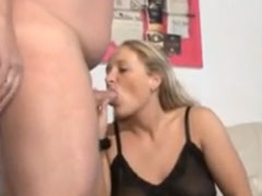 Fetter Mann fickt seine moppelige Ehefrau