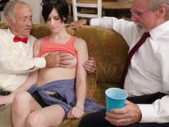 Alte deutsche Männer dürfen eine junge Profi Fotze ficken