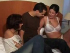 Reife Frauen lieben geilen Gruppensex