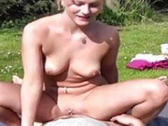 Kostenloser Outdoorporno mit junger Schlampe