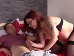 Fremde Rothaarige ficken im Blowjobporno