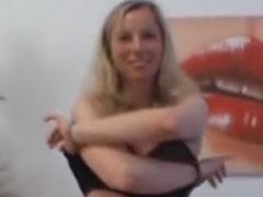 Blonde Amateur Schlampe beim Pornocasting