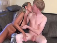 Geiler Jungschwanz darf Pornostar ficken